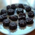 פרליני שוקולד מריר וטחינה